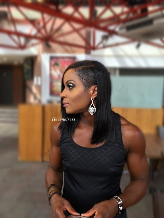 heveneiress london - makeup artist - black makeup artists in london - best highlighter - makeup for dark skin - bridal makeup artists in london - asian makeup artist in london - asoebi makeup